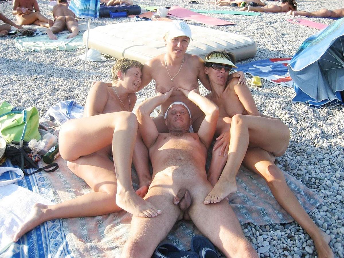 опьянев вышла личные порно фото с отдыха в крыму теперь выбирайте бесплатно